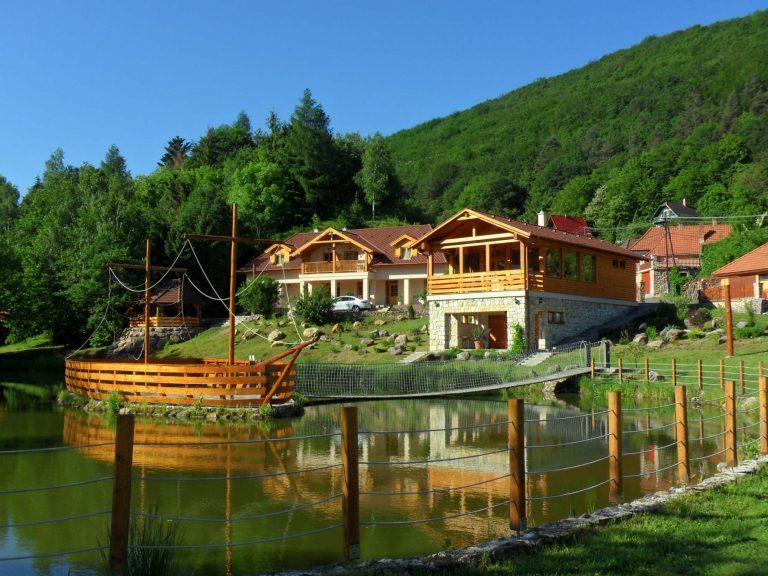 Aranybánya Apartmanház tó
